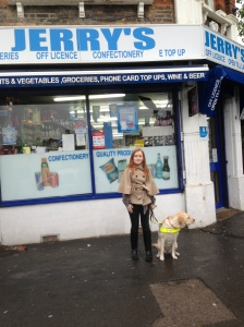 Fashioneyesta in front of Jerry's Lee Green