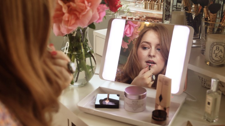 Spotlite HD Diamond 2.0: The Game-changing Travel Makeup Mirror*